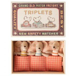 Bébés souris triplets